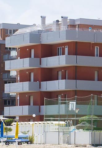 Appartamenti ponte sasso di fano sul mare for Appartamenti barcellona sul mare